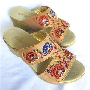 Alegria Floral Sandals Size 7 by PG Lite Leather